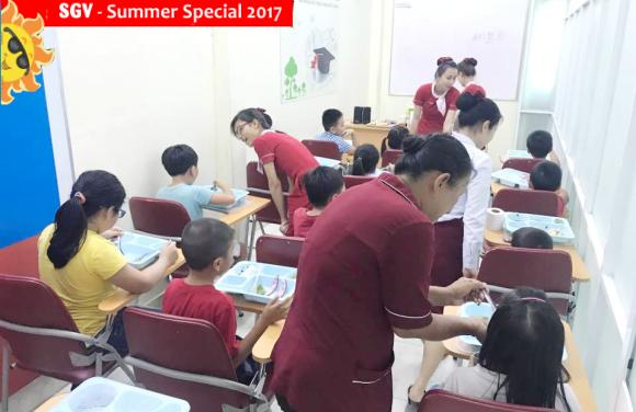 bữa ăn lớp hè bán trú summer special 2017