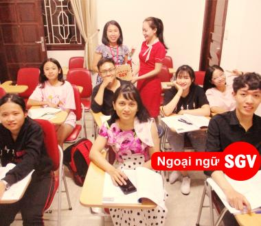 SGV, khoa hoc tieng Anh cho nguoi di du lich o quan 7